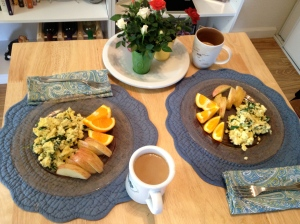 Today's breakfast: Scrambled eggs with spinach, sliced apples, and oranges. (I like to sneak veggies into eggs for an extra jolt of vitamins.)